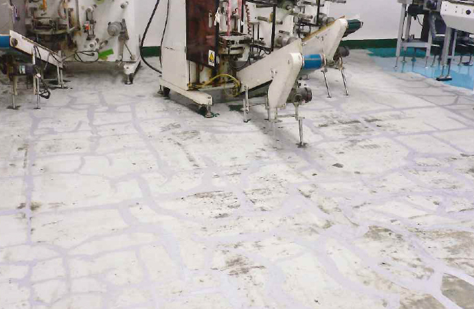 チョコレート工場床 硬質ウレタン樹脂塗り床工事 _05